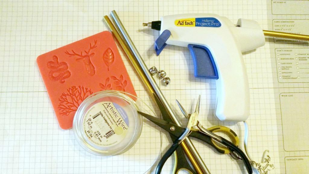 Crafting tools needed to make a Santa Trap