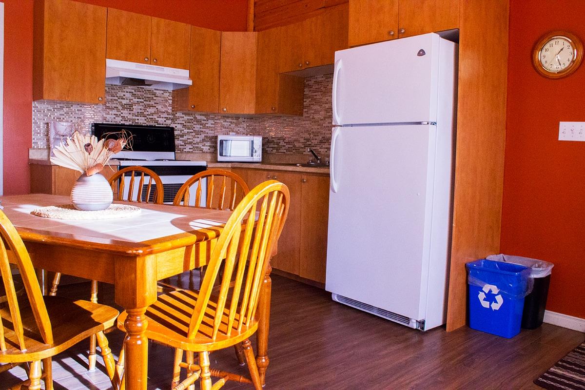 Cabin Kitchen Area Ferme 5 Etoiles Cote Nord Quebec Maritime