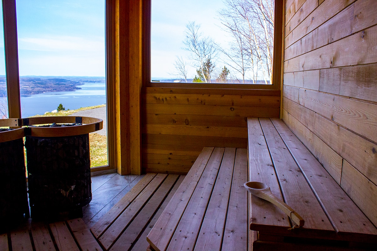 Hot sauna in Cap au Leste while looking over the fjord.