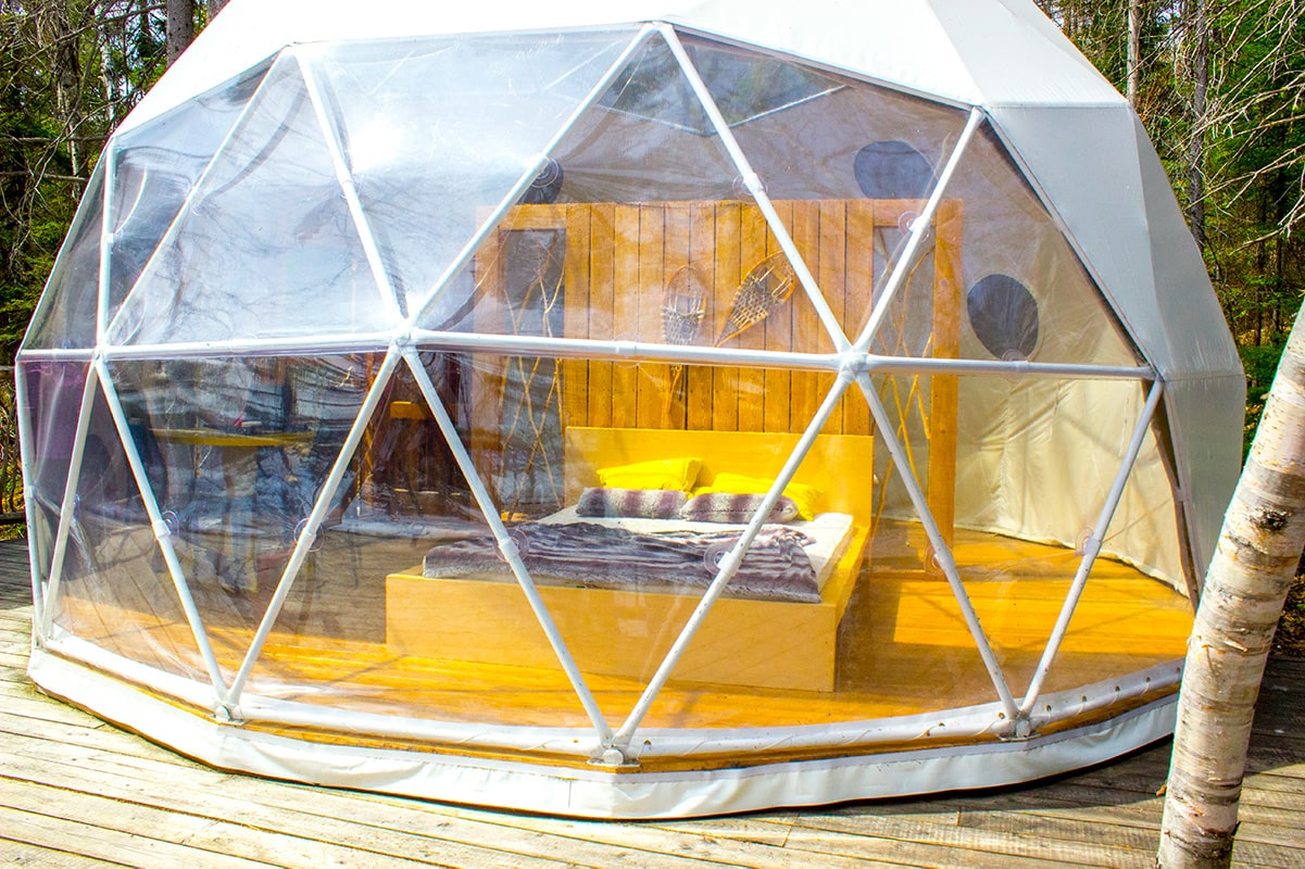 Glass Dome Hotel Unique Stay Parc Adventures Quebec Canada | Geek Life: Augmenting Reality