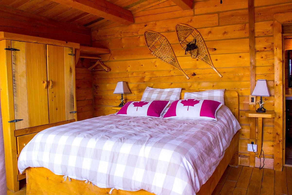 Unique Stay Pourvoirie Cap au Leste Private Chalet Bedroom