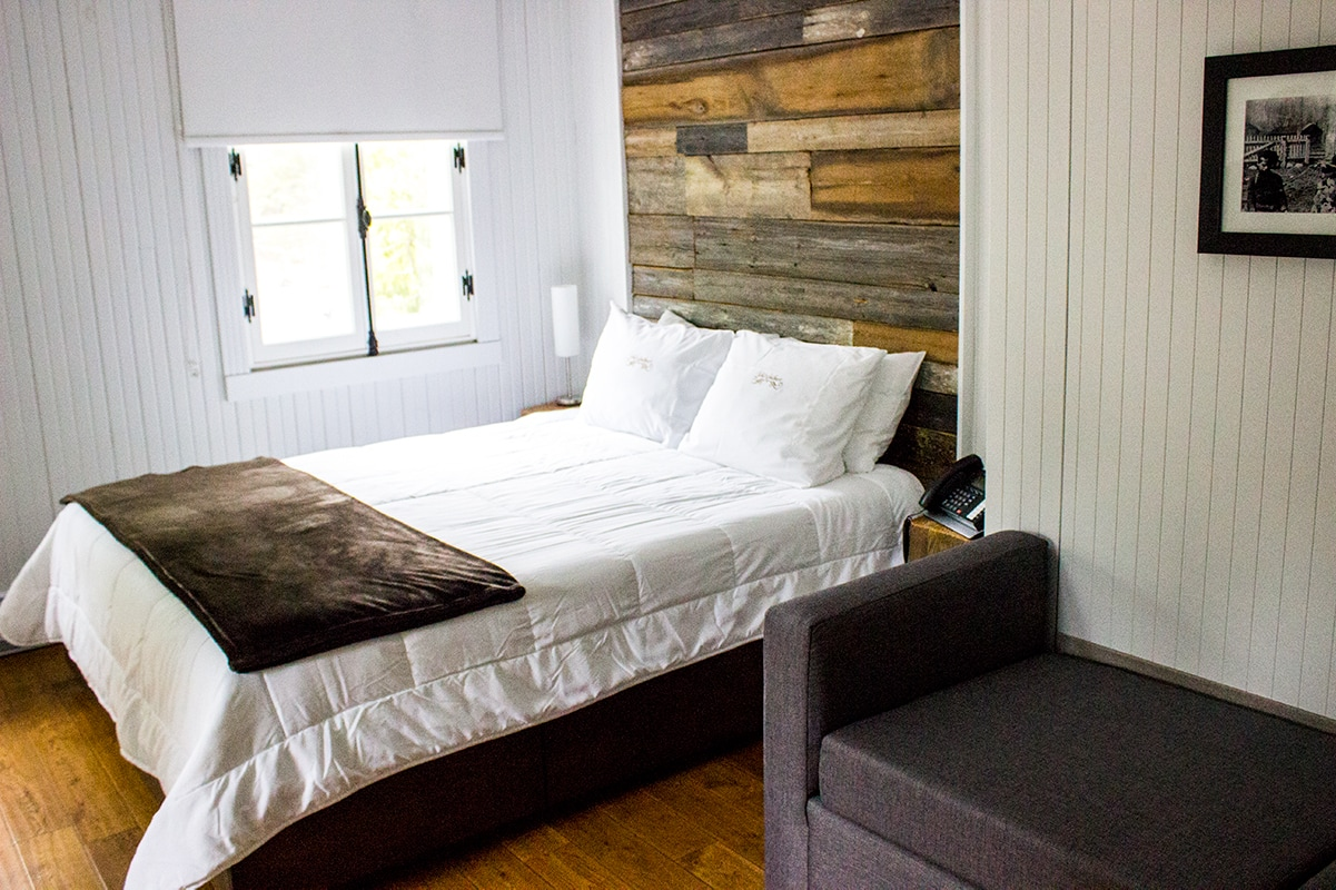 Val Jalbert Historic Company Town Period Home Bed | Geek Life: Augmenting Reality